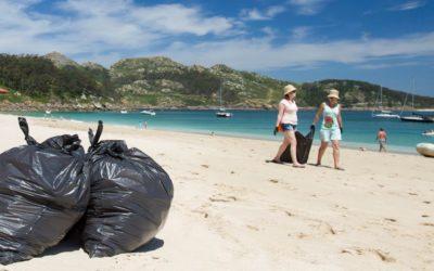 La Deputación de Pontevedra convoca dos jornadas de recogida de residuos en playas de la provincia