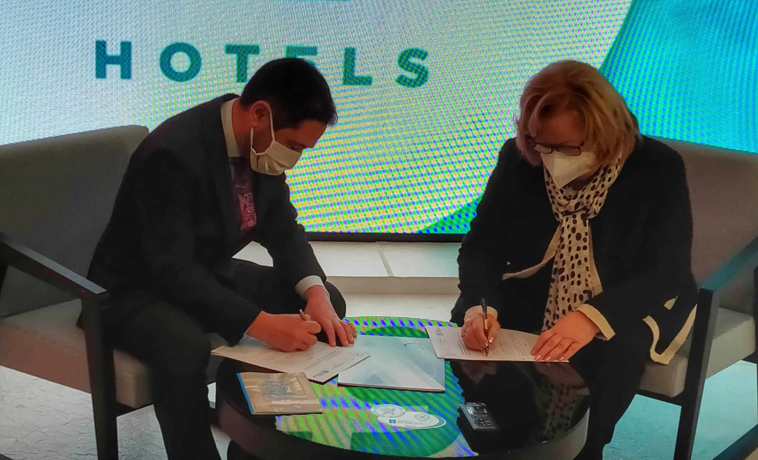 Oca Hotels firma un convenio con Acega para ampliar sus protocolos para celiacos