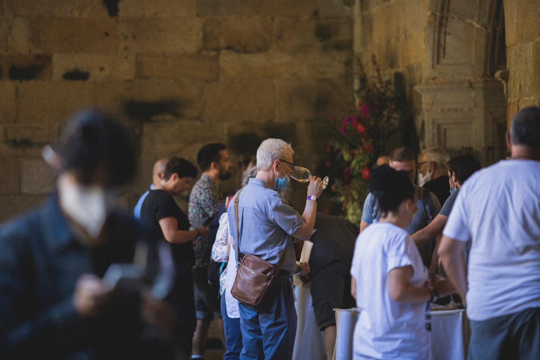"""La """"emoción"""" del vino vuelve a invadir el Mosteiro de Oia"""