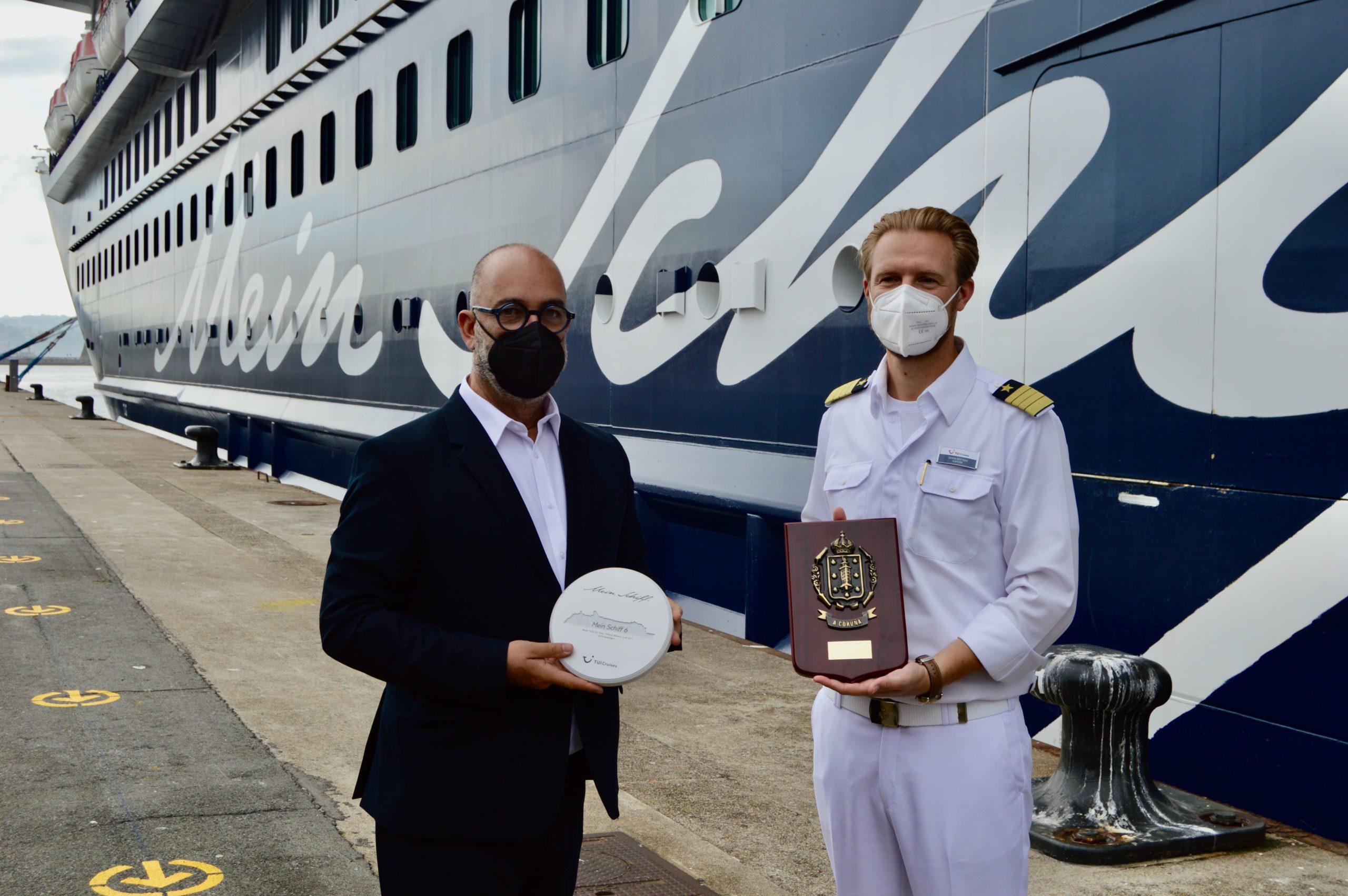 A Coruña recibe el segundo crucero tras la covid-19